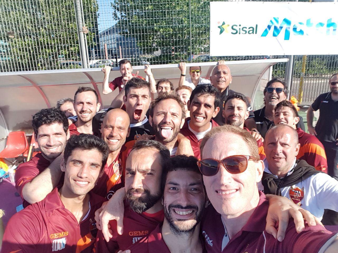 Il Selfie Dell'hc Roma Di Fine Incontro Dopo Il 4 A 0 All'Amsicora Cagliari